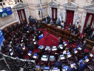 El senado debate la modificación del impuesto a las ganancias y el monotributo